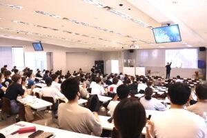 北九州市立大学で、ゲスト講師として「VUCA時代を生き抜くグローバルマインドとアントレプレナーシップをシリコンバレーから学ぼう」をテーマに講義を行いました